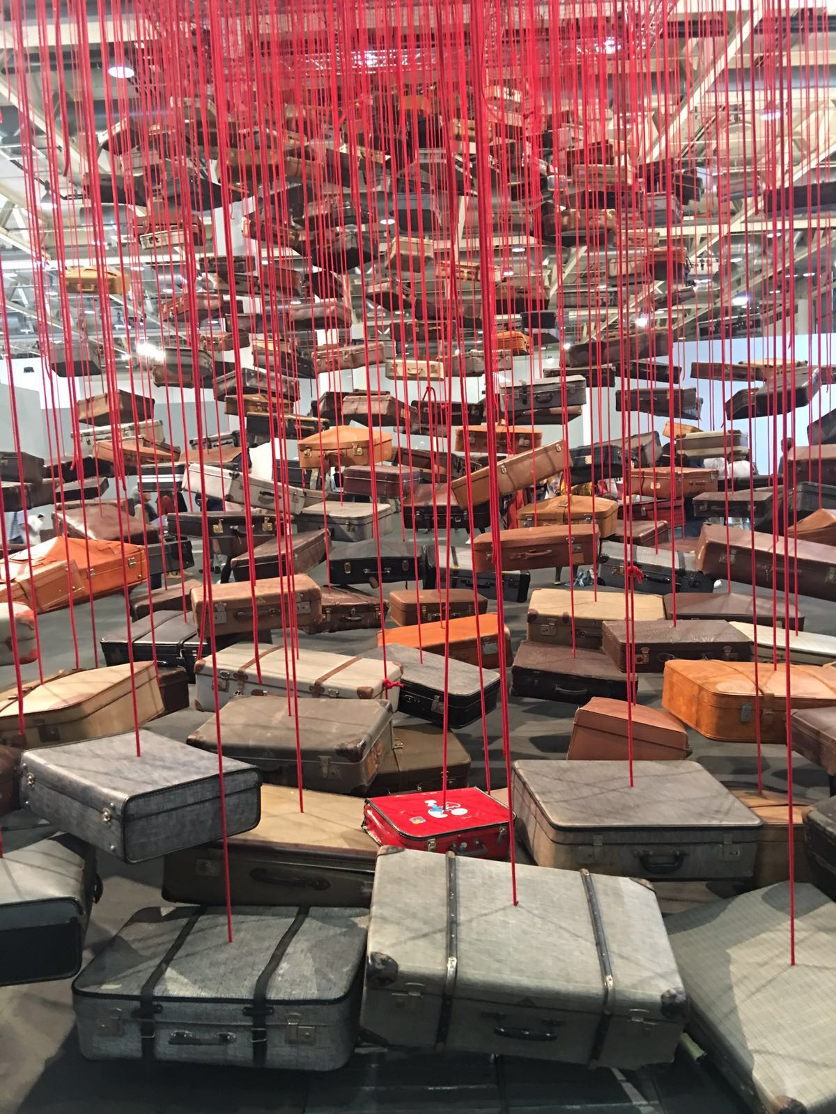 Chiharu Shiota / Accumulation - Searching for destination 2014 -2016